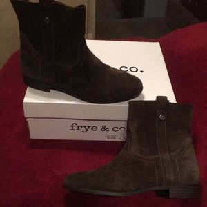 Brand New Frye Suede Boots 👢
